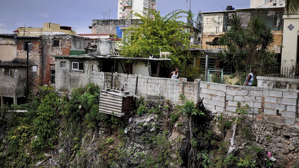 Streetscape, Havana (2012)