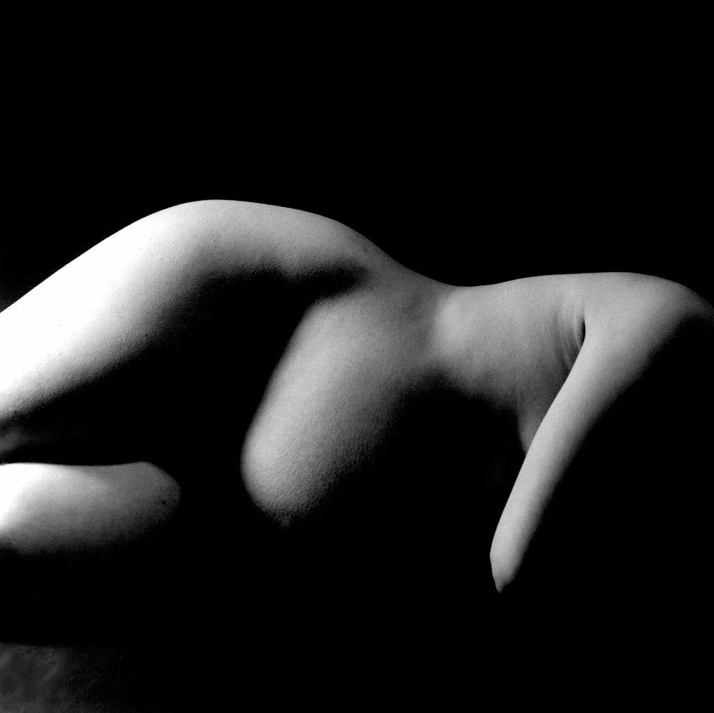 Pregnant Figure (2000)