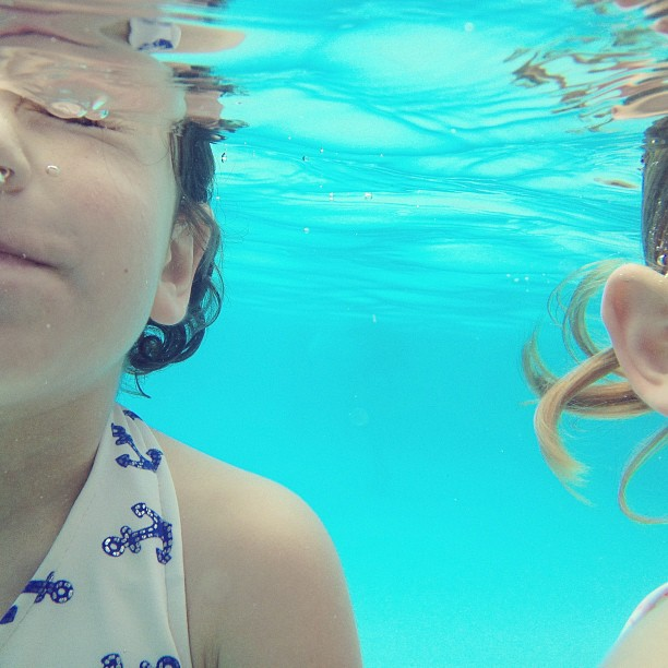 Kid cousins under water #lifeproof