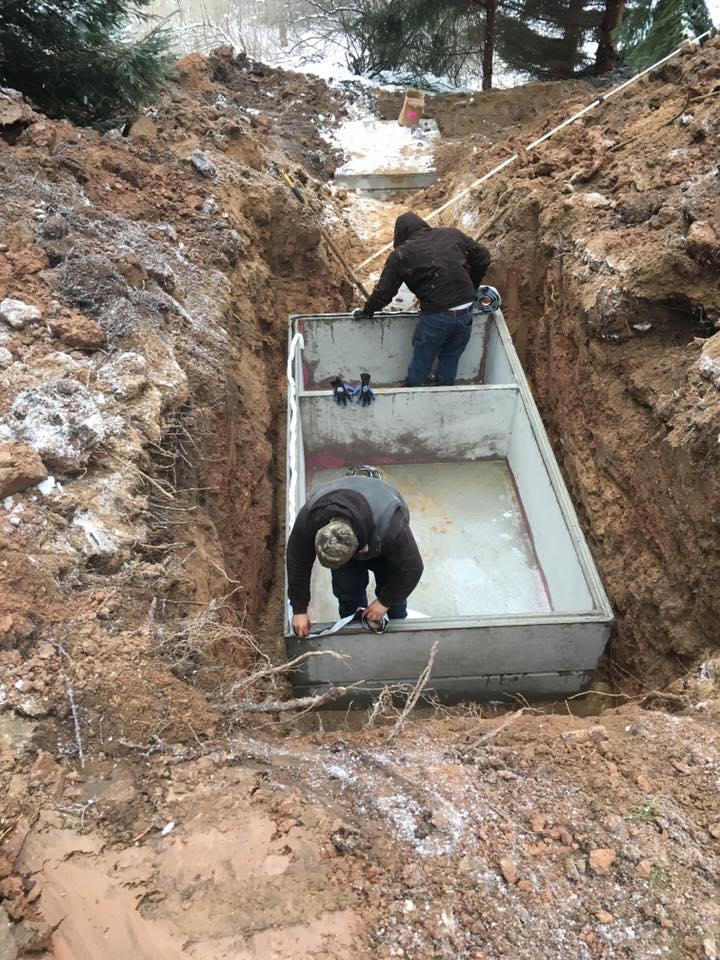 Setting dual-chamber septic tank