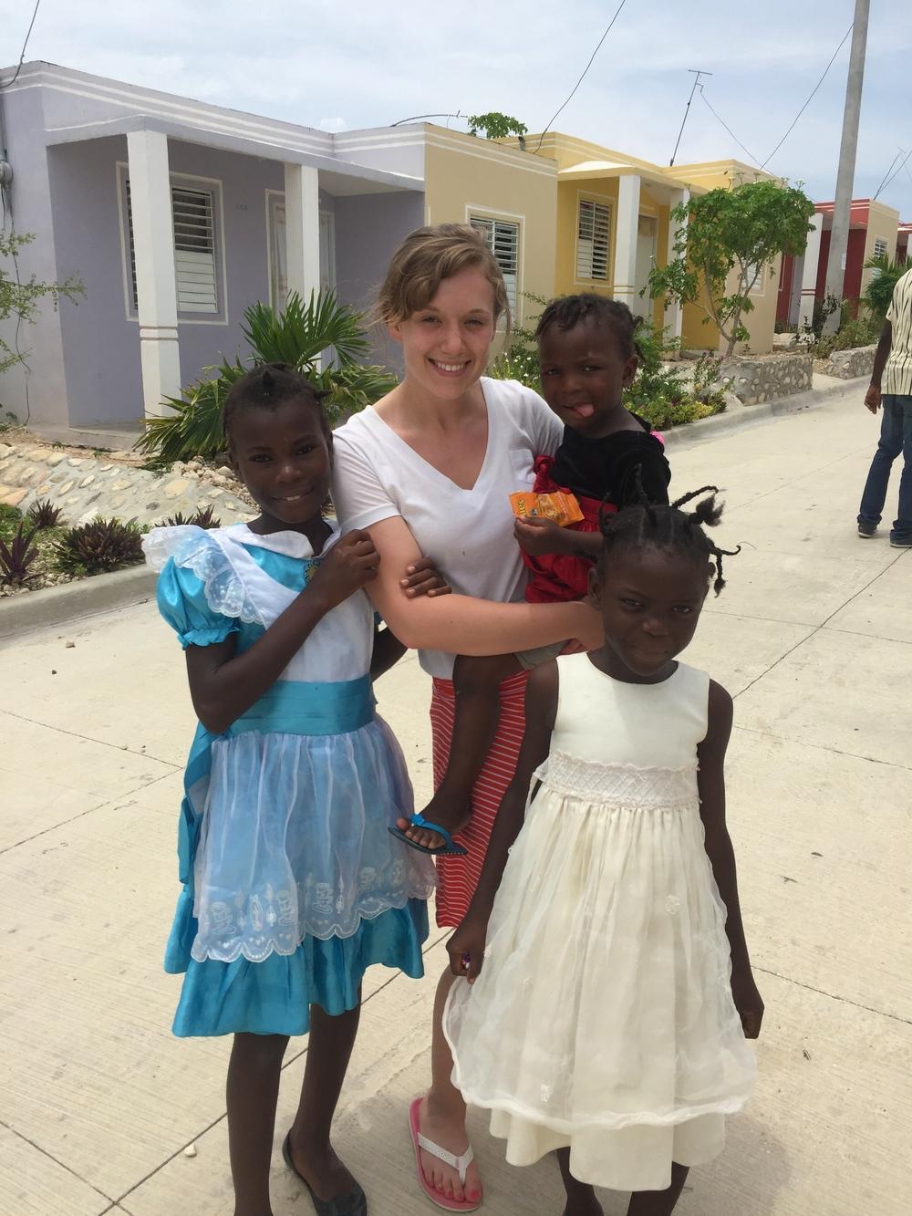 3 sister and Lauren!