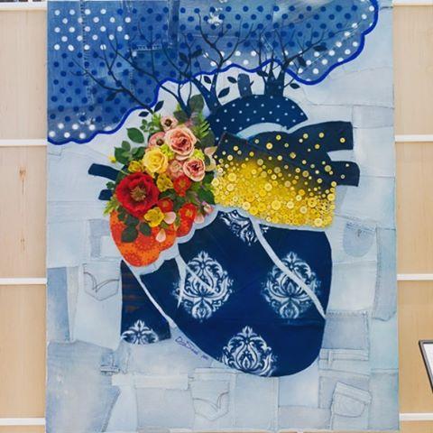 By the beautiful @dinasaadi. A fellow #recycleyourblues artist from last week.  #art #charity #dubai #kuwait #recycled #denim #auction #heart