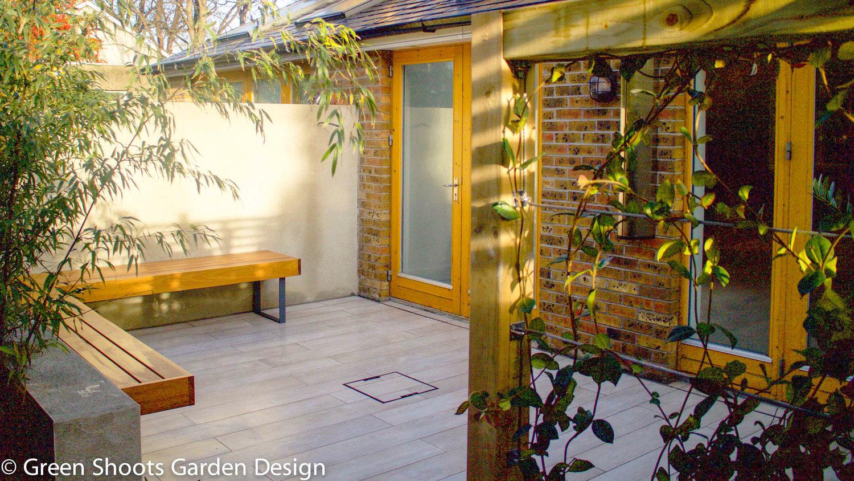 Garden Design - garden design Courtyard Garden climbing wall garden ...