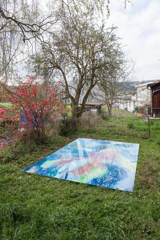 """Ausstellungsansicht:  """"MAGMA #1"""", Kunstraum Hermann, Hochdorf, 25.4. - 4.7.2015  Romuald Etter, """"Magma Pool"""", 2015, Kunstharz hinter Glas,270 × 394 cm, 4-teilig"""