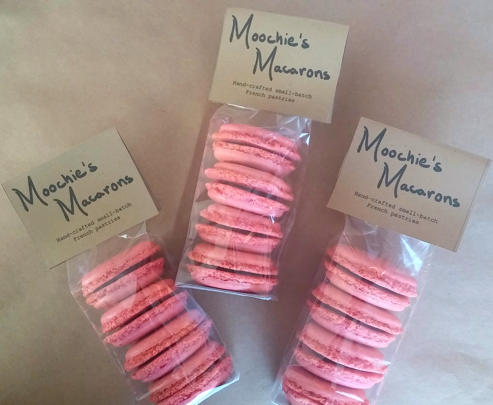 Valentine's Day Macarons 2.png