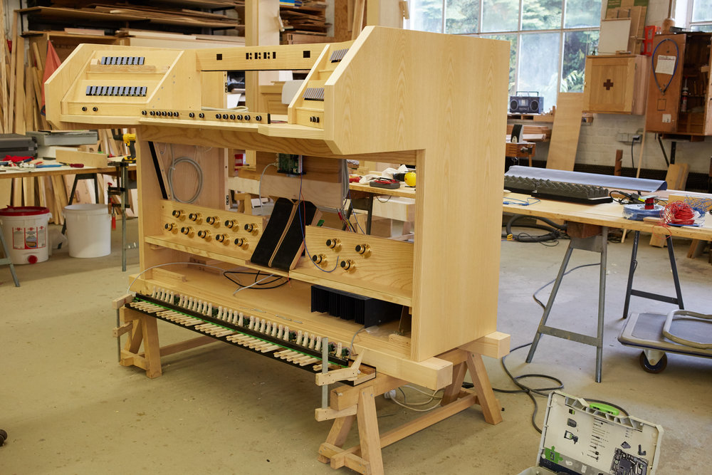 Elektrischer Spieltisch Im Bau