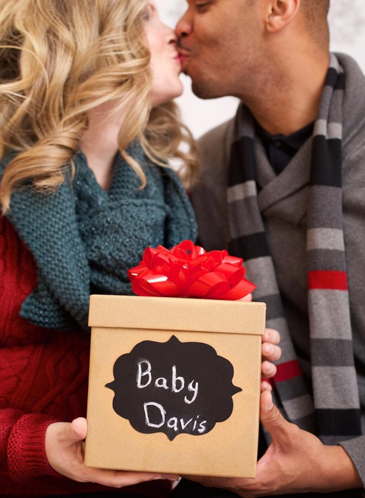 Christmas-maternity-session-1.jpg