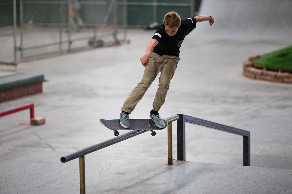 skate_rail_bsfeeble2_dylan.jpg