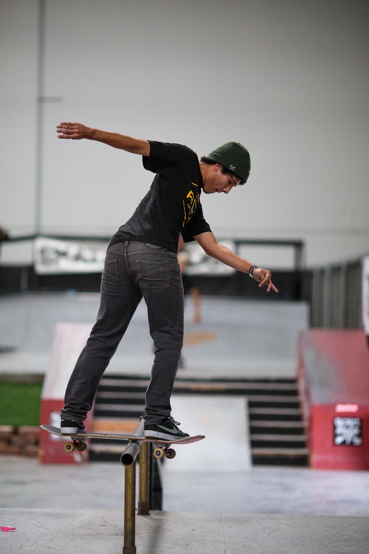 skate_rail_bslip.jpg