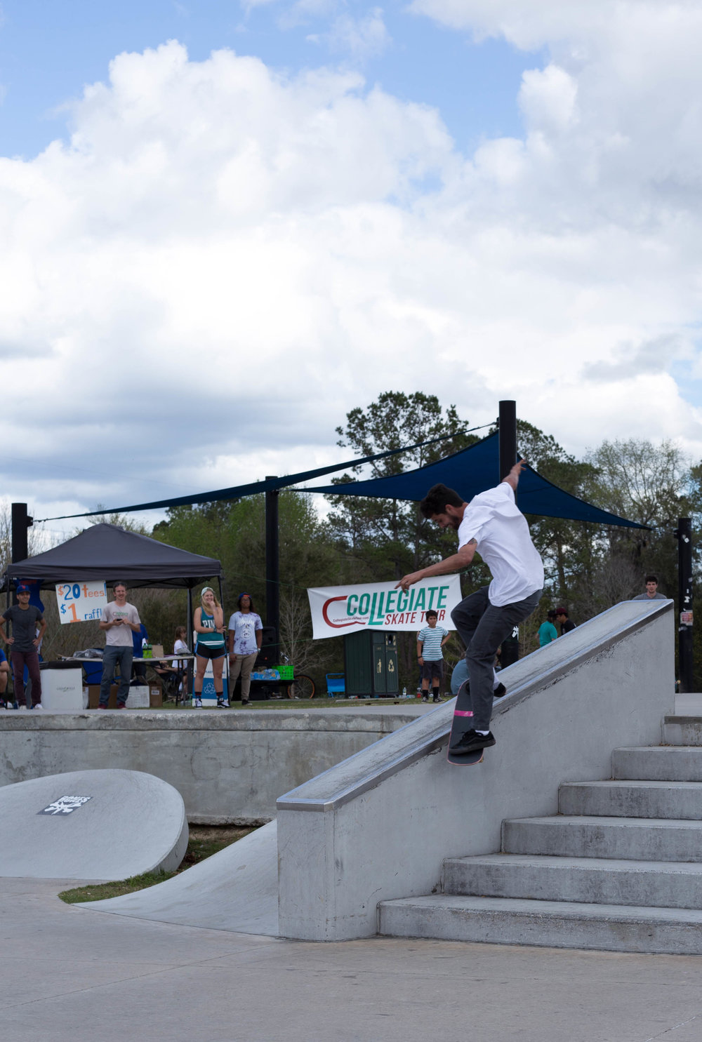 Landy Collada had this frontside smith grind just about every try.