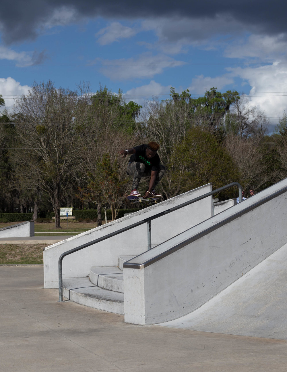 Xavier Collins. Grabbin' over the rail!