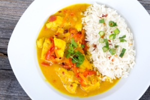 spicy-coconut-curry-sauce.jpg