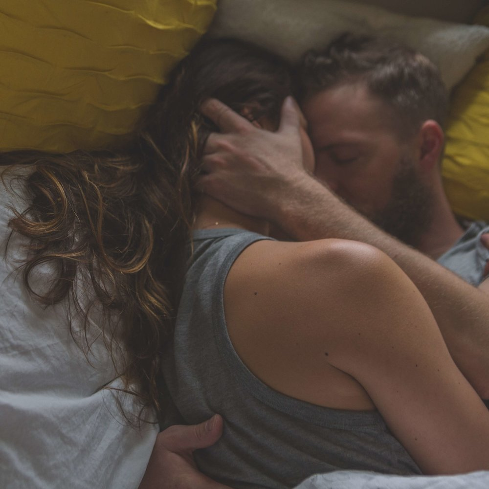 4-week mini course for a bit more love, a bit more pleasure, a bit more intimacy. - These mini-courses are a deeper dive into one topic or question that I get most often.