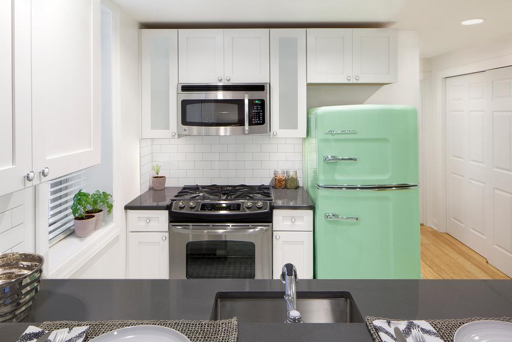 touraine-annex-kitchen-2-full.png