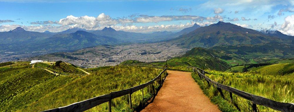 Ecuador Mountain Views Inn   Be Here, Be Happy     Retreats