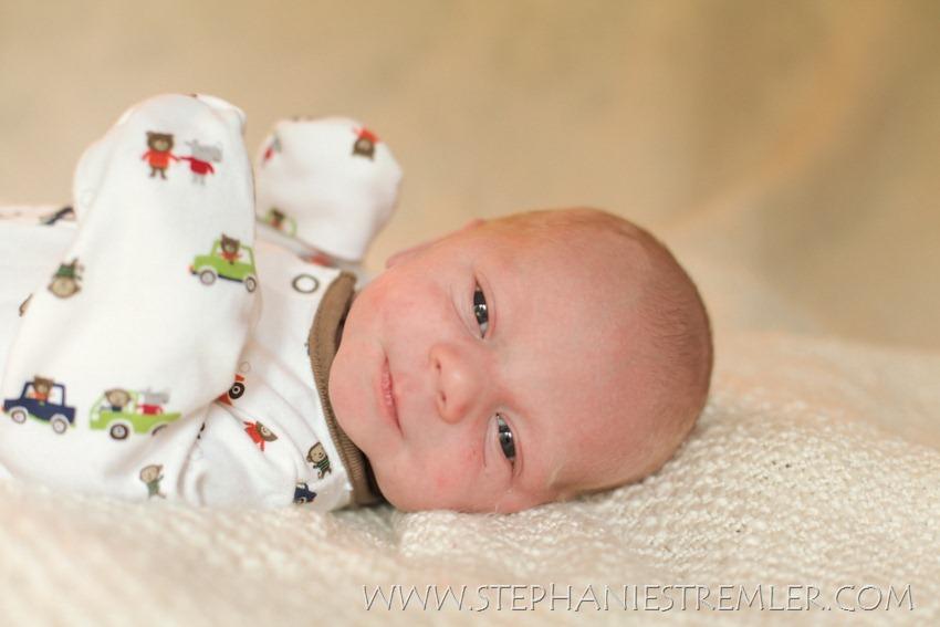Lynden_Newborn_Baby_Photographer_N2-12-12Isaac-100