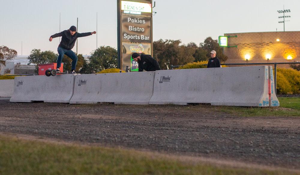 Dylan Warren Boardslide: drop down, hop up - Photo Eddy Kusdiana
