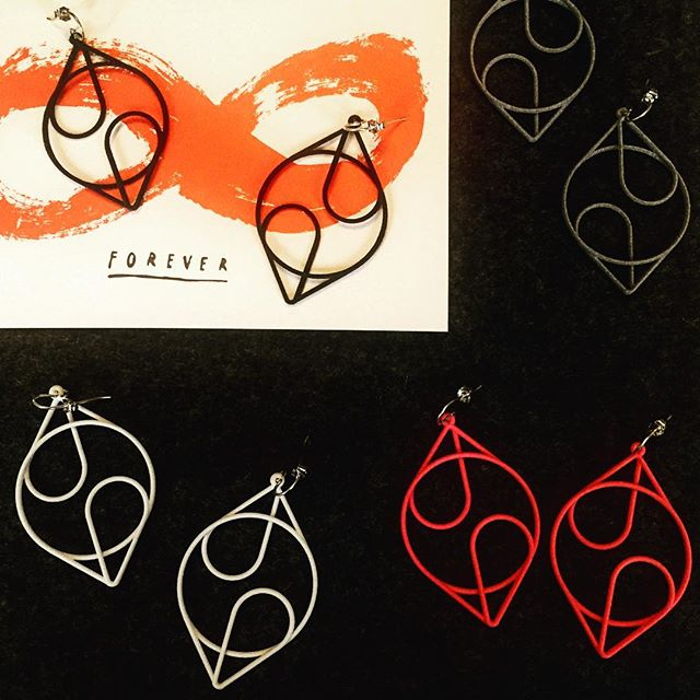 Can't wait until these lovelies land at the @ICABoston gift shop in the coming weeks! ❤️ Check out these designs and more at the ICA. . . . . . . . . . . .  #3Dprint #3Dprintedjewelry #3Dprinting #3Dprinted #sidehustle #success #jewelry #hoops #makers #makeraddictz #etsy #etsywholesale #sculpteo #shapeways #design #designers #accessories #boutique #jewelrygram #picoftheday #geometric #continuous #XLDesigns #xiomaralorenzodesigns #instituteofcontemporaryart #ICA #Boston #fashion #technology