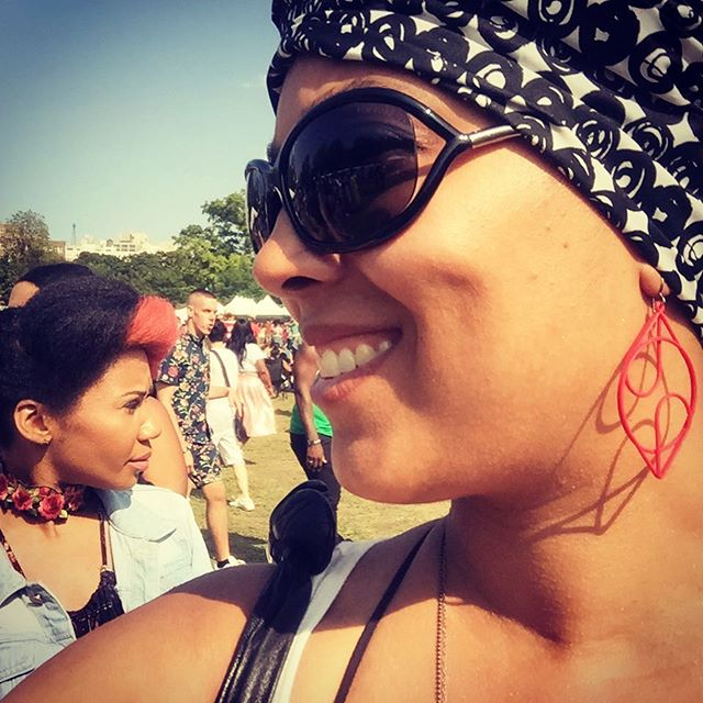 Rockin' #XLDs and the @thewraplife at #afropunk ❤️😎👨🏽‍🎤👩🏿‍🎤👨🏿‍🎤👩🏿‍🎤 . Continuous - medium in Red. . Shop: xldesigns.etsy.com . . . . . . . . . . . . #3Dprint #3Dprintedjewelry #3Dprinting #3Dprinted #sidehustle #success #jewelry #hoops #makers #makeraddictz #etsy #etsywholesale #sculpteo #shapeways #design #designers #accessories #boutique #jewelrygram #picoftheday #geometric #continuous #XLDesigns #afropunk #thewraplife #brooklyn #xiomaralorenzodesigns #fashion #technology