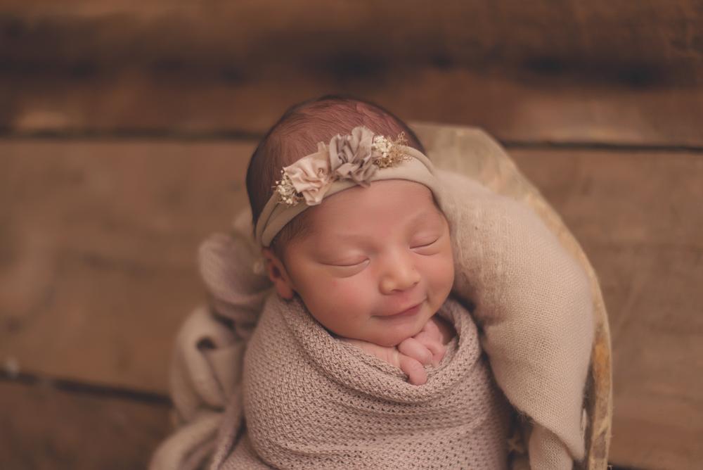Neutral newborn photographer, Orange county CA