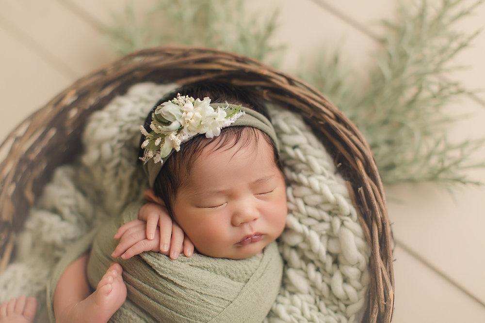 indoor-studio-newborn-photography