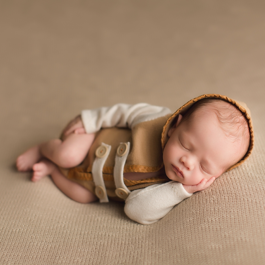 irvine-baby-photographer-newborn-boy-outfit-orange-county-beige.jpg
