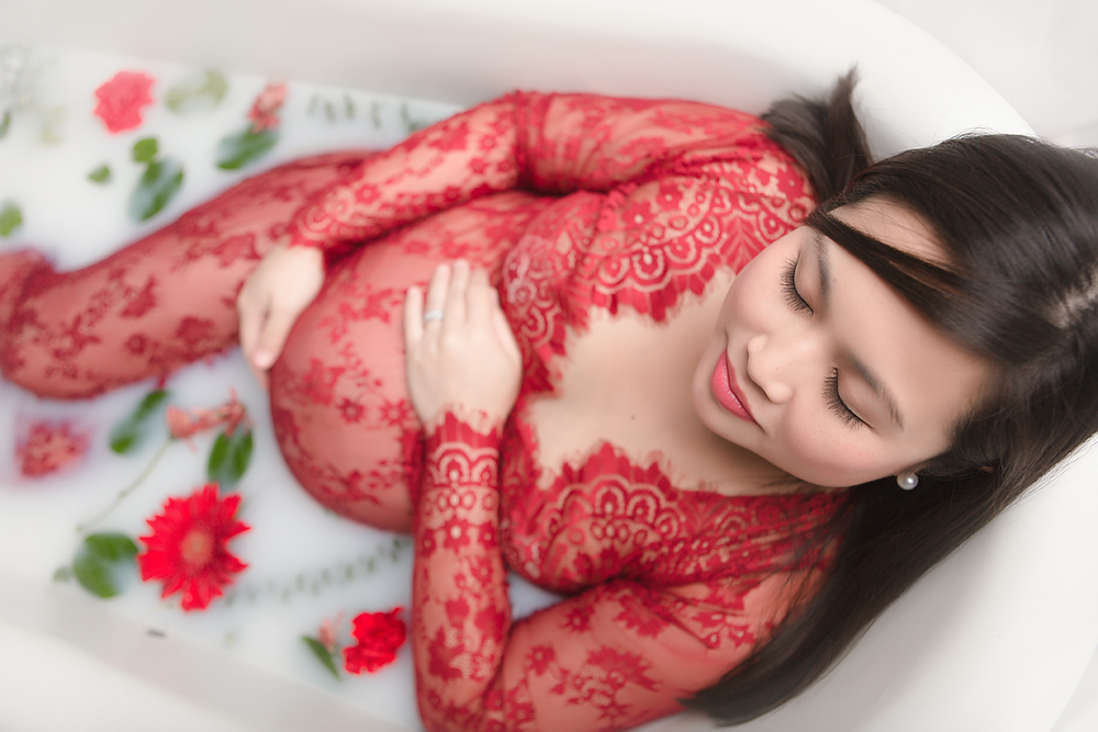orange-county-maternity-milk-bath-photos-beautiful-flowers-organic-red.png