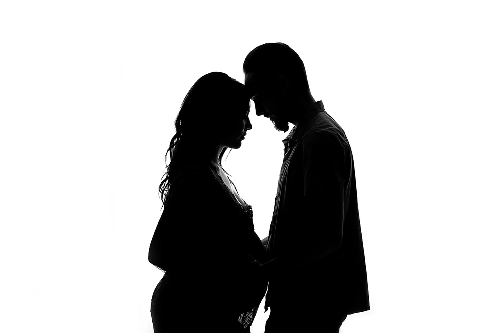 orange-county-maternity-photography-studio-silhouette-husband-wife-couples-romantic.png