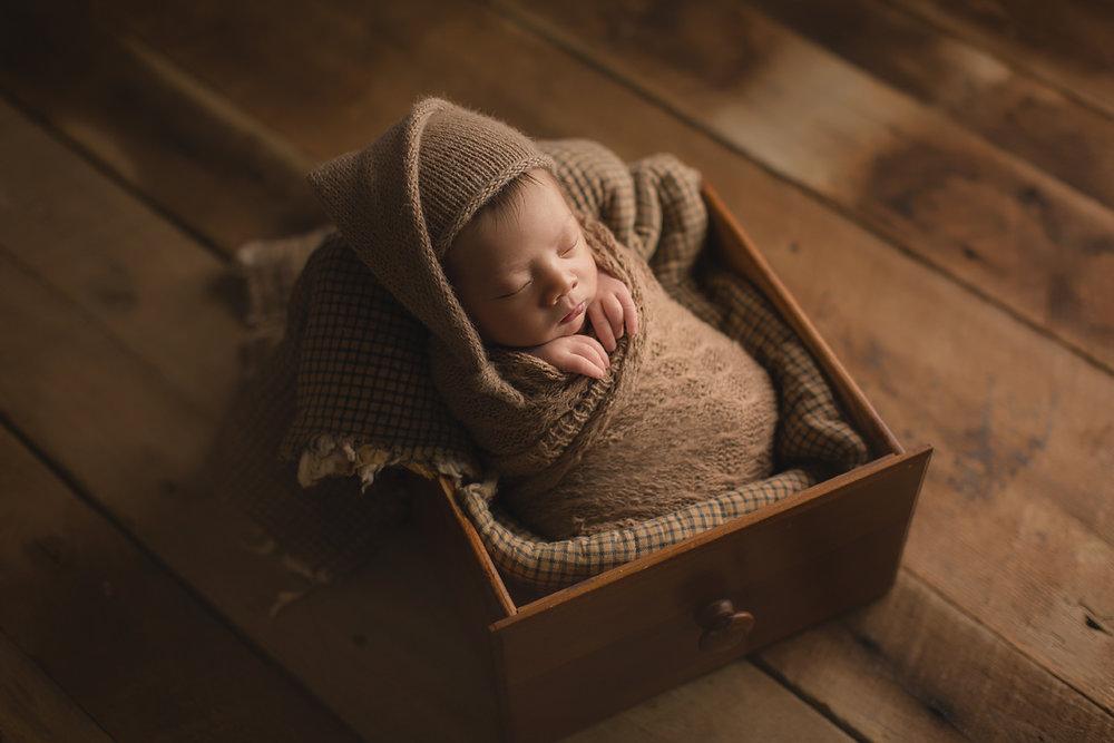 irvine-newborn-photography-prop-vintage.jpg