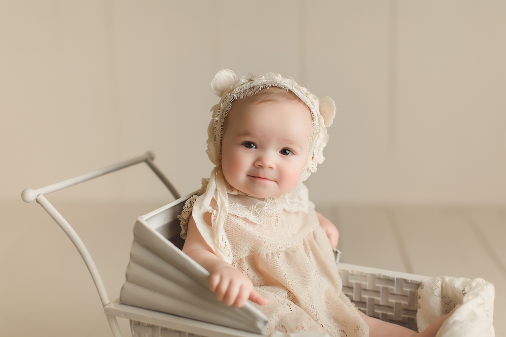 orange-county-baby-photographer-studio-irvine-bonnet-bear-vintage-pram.png