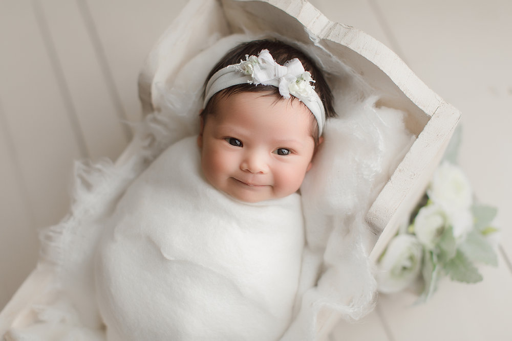 irvine-newborn-photographer-orange-county-studio-organic-dreamy-soft-beautiful-white-background.jpg