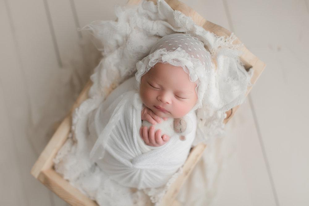 irvine-newborn-photographer-studio-fine-art-vintage-cradle-ivory-lace.jpg