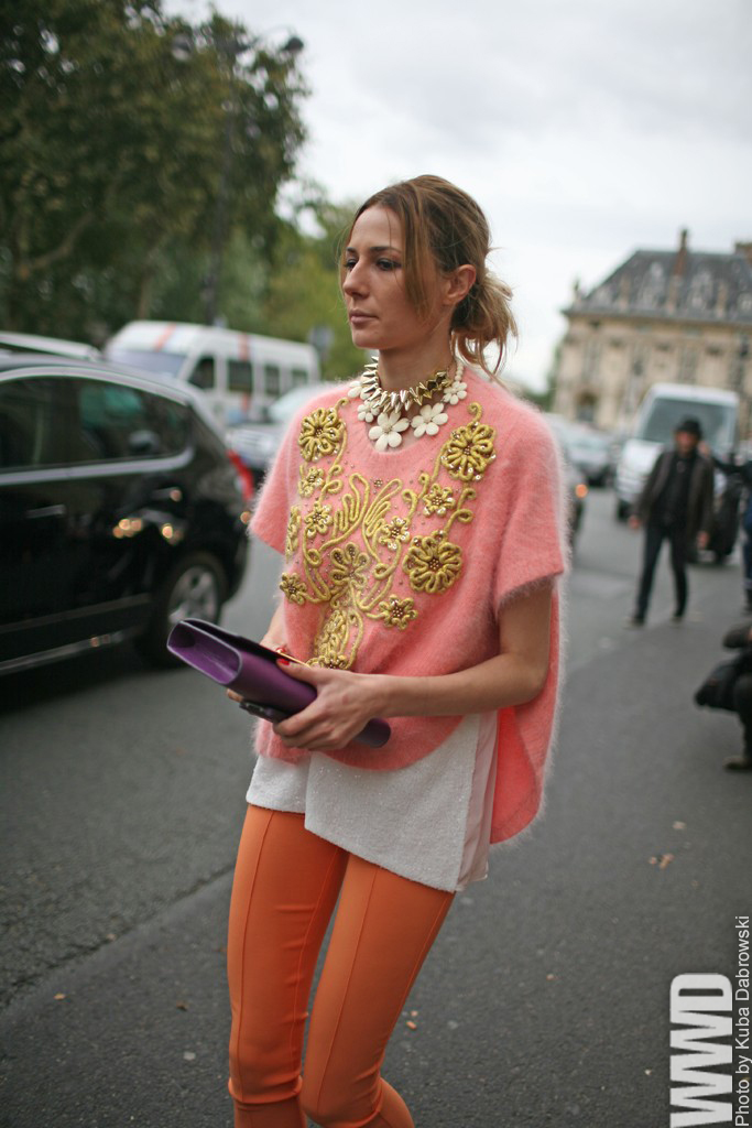 womensweardaily :      They Are Wearing: Paris Fashion Week      I love the grey light of Paris in this photo