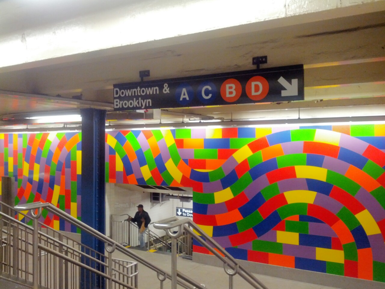 Was somehow unaware of this Sol LeWitt wall at 59th Street!  The things you learn when you go uptown.