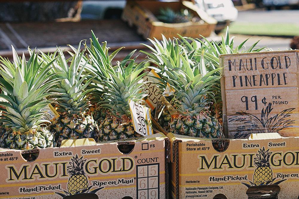 local fruit market - maui hawaii.jpg