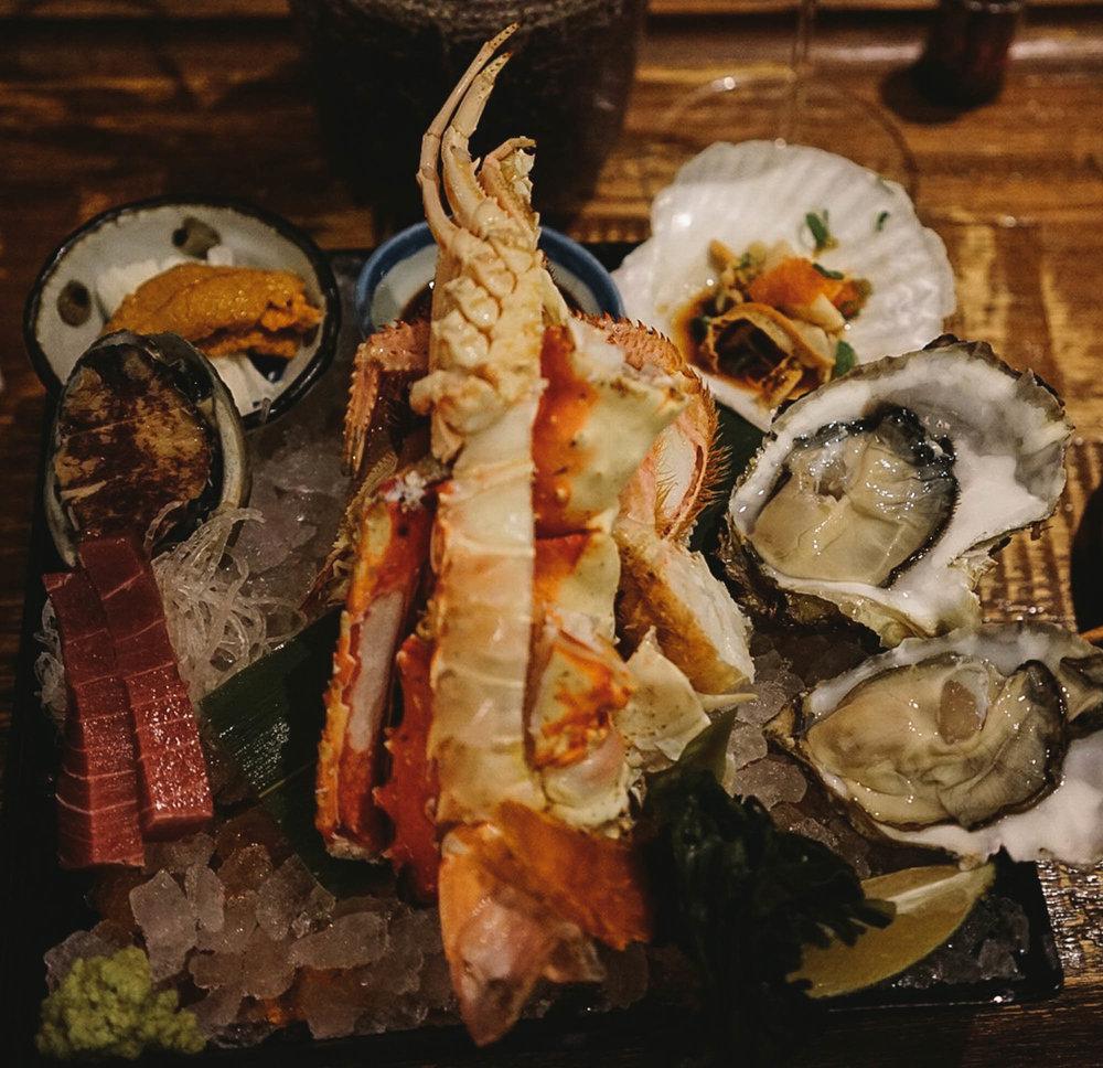 - assorted seafood platter