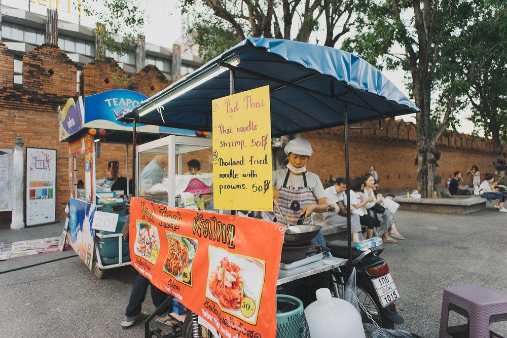 pad thai lady -