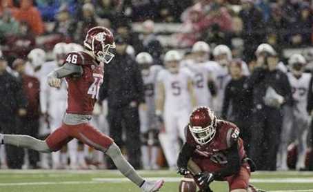 Washington State Placekicker Erik Powell: Image by College Football AP  (www.collegefootball.ap.org)