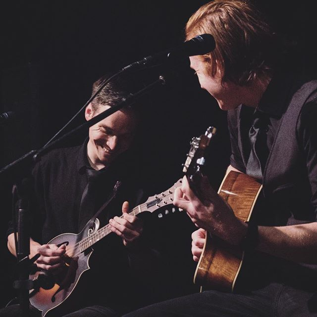 We have zero fun playing music.  #fakenews #mandolin #guitar #gibson #breedlove #tbt #latergram #longlivelivemusic