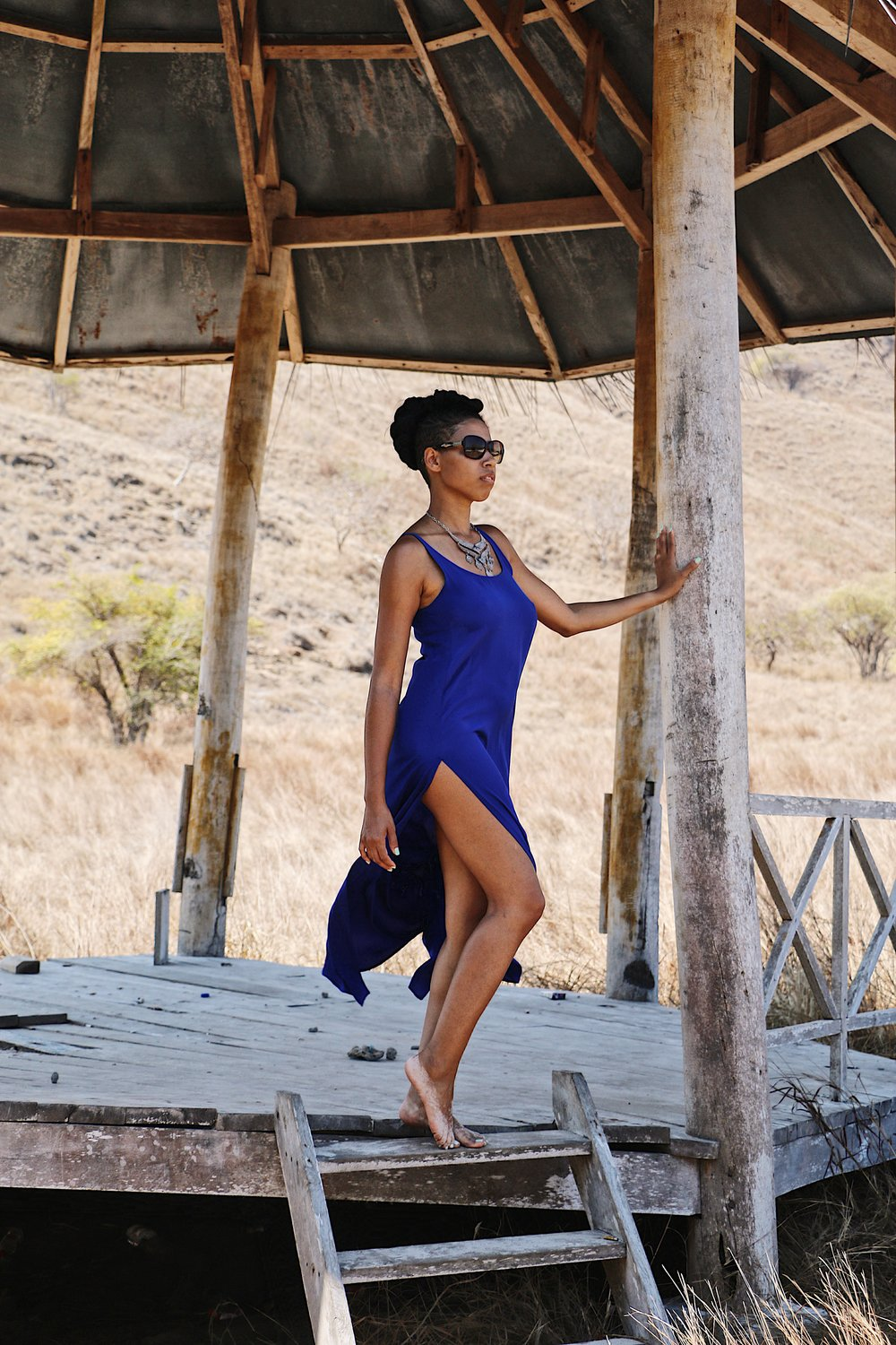 This is the perfect beach gown for Apres Yoga……The Elle in Deep Blue Ocean Crepe de Chine.  Photo Credit  @_dcampbellphotos