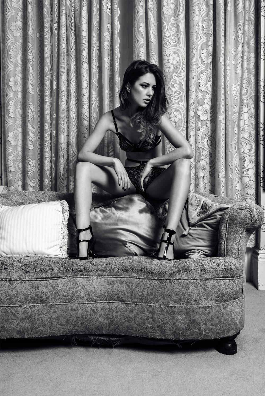 Underwear: Karolina Laskowska;Shoes: Gianmarco Lorenzi