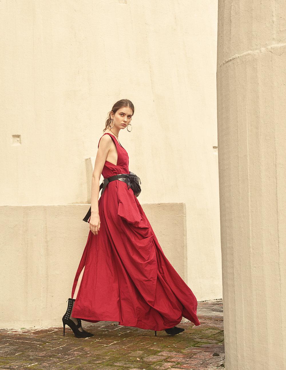 Earrings  Dulce Claro   Necklace  Dulce Claro   Dress  Malafacha   Waist Bag  Supreme   Shoes  Rebeca Miranda