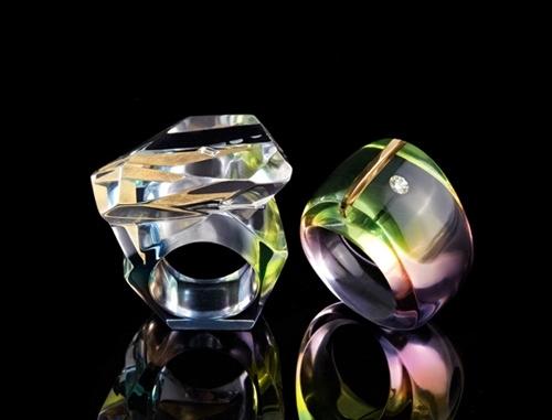 nunc-diamonds-aurora-rainbow-rings.jpg