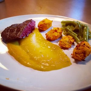 O-class_by__ofoodnutrition_at__crossfitnivelles___Ostrich_fillet_with_mango_sauce__and_reduction_of_honey_and_raspberry_vinegar__sweet_potatoes_and_seasonal_vegetables___This_sauce_is_soooo_good____FR__Filet_d_autruche_sauce_mangue_et_r_duc.jpg