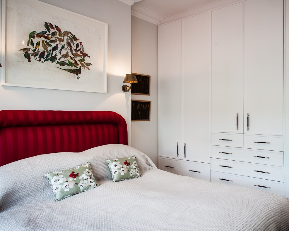 Custom Wardrobe design by Smartstyle Interiors Photo credit: Paul Winch-Furness