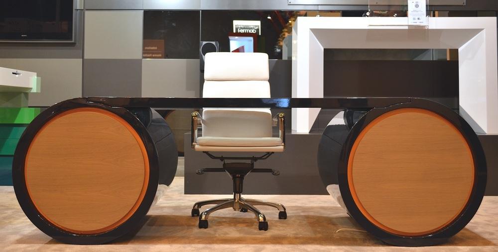 Evoni's Spector Desk