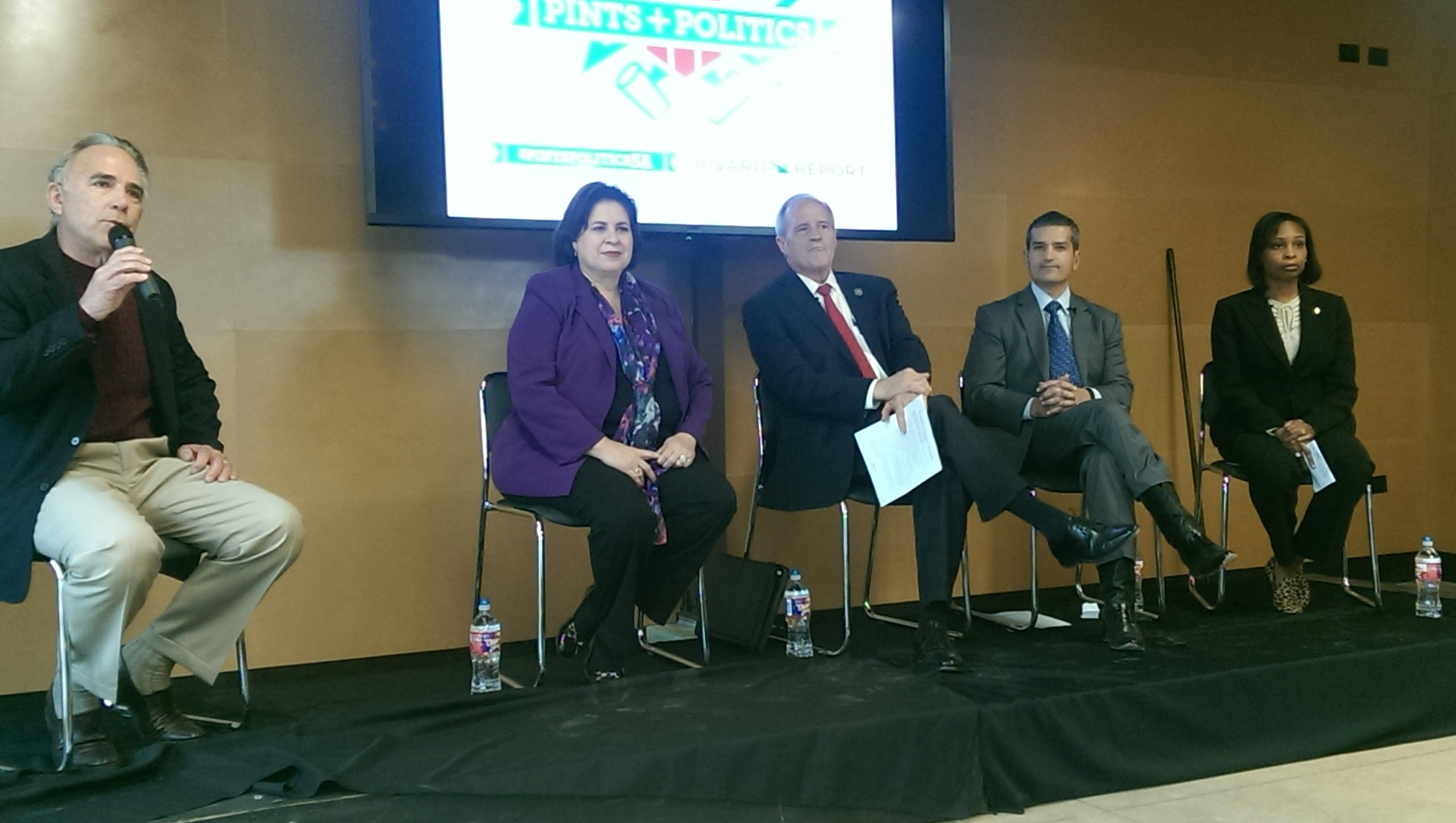 2015 Mayoral Candidates speak at the Rivard Report's Pints and Politics Event.  Pictured (L to R) Robert Rivard (moderator), Leticia Van de Putte, Tommy Adkisson, Mike Villareal and Ivy Taylor.