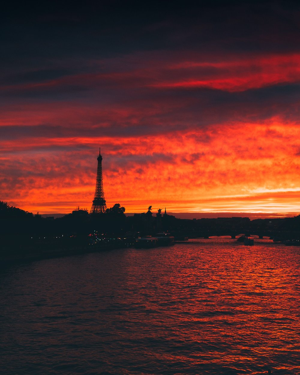 Incredible sunset yesterday during my #DxOOneTrip in Paris, shoot with the @dxoonecamera