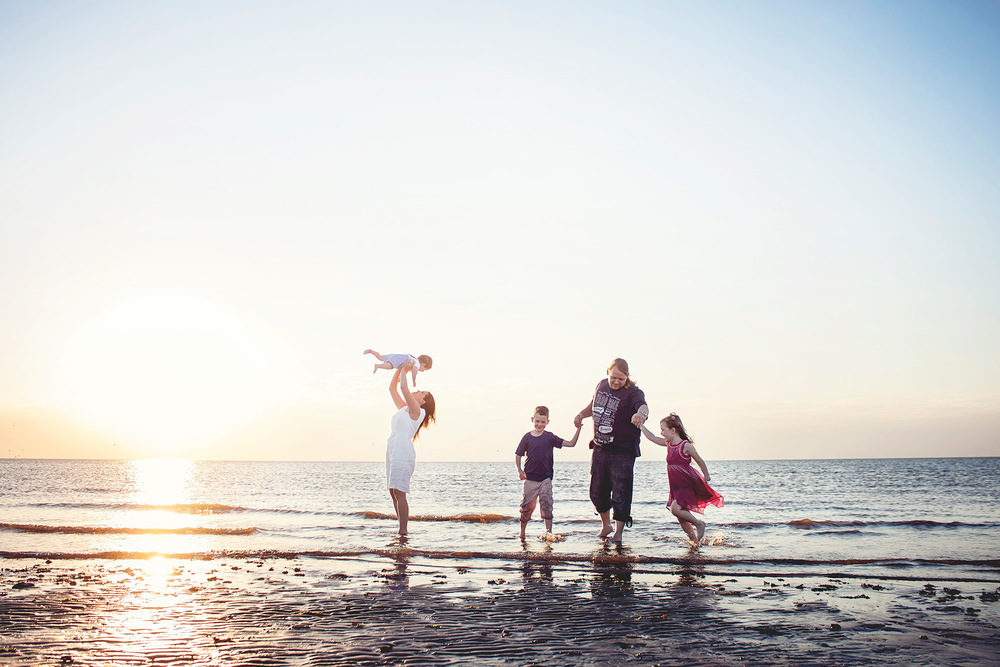 © Esther Wild Photographer. Hunstanton Beach Family Photography Session.