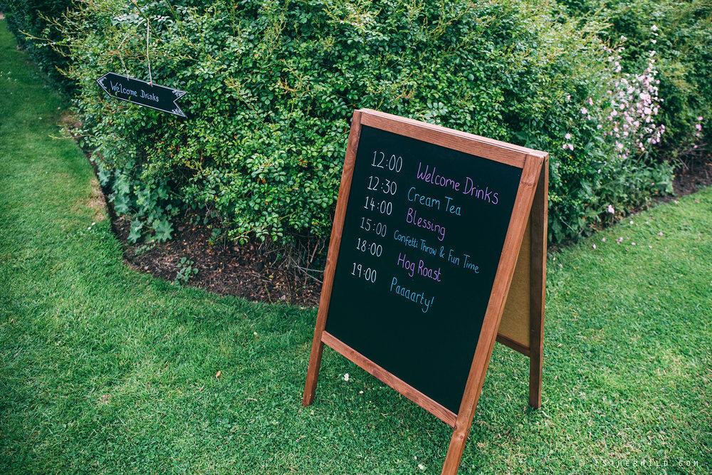 Norfolk_Wedding_Photographer_Mannington_Hall_Country_Esther_Wild_0088.jpg